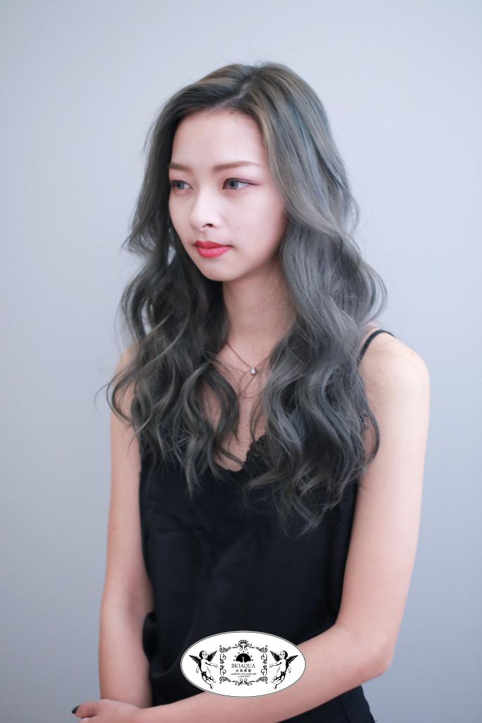 霧藍灰髮色+電棒波浪捲 台中染髮推薦 元氣美髮