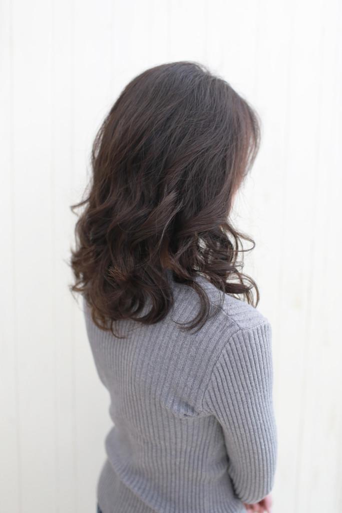 手繞燙 蓬鬆捲髮 台中燙髮推薦 - 台中髮廊 bioaqua元氣美髮