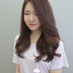 優雅氣質 韓國女孩髮尾大捲