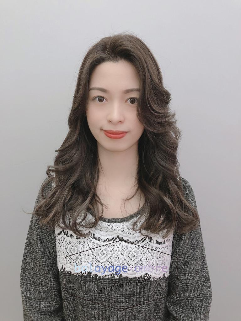 米灰色歐美手刷線光染 - 台中髮廊 歐美染髮推薦 元氣美髮